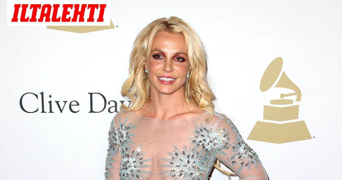 Britney Spears palasi selfieiden maailmaan - housuja ei