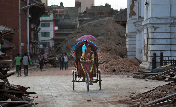 Katmandun Durbarin aukio on yksi monista historiallisista kohteista, jotka kärsivät suuria vaurioita viikonlopun maanjäristyksissä.