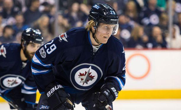 Patrik Laine pelasi vahvan tulokaskauden NHL:ssä.