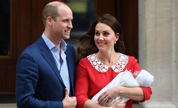 Prinssin William ja herttuatar Catherine ovat julkaisseet uusia kuvia lapsistaan.