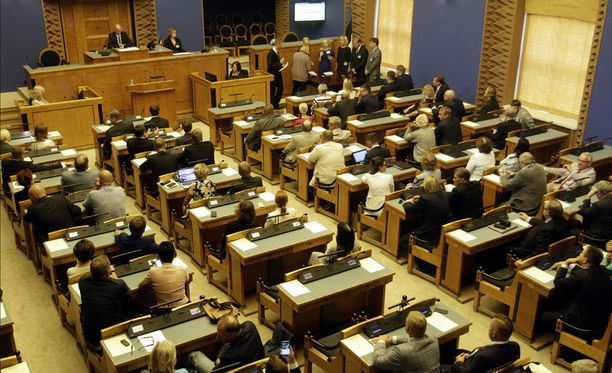 Virossa kaksi hallituspuoluetta vaatii pääministerin eroa.