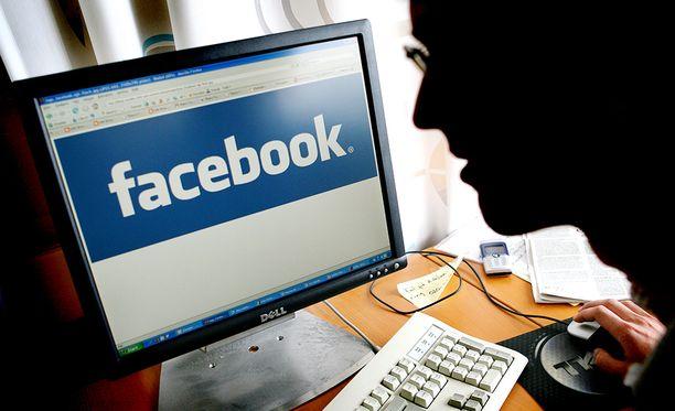 Facebook-kirpputorilla huijannut mies tuomittiin sakkoihin.