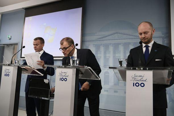 """Valtiovarainministeri Petteri Orpo (kok) myönsi pari viikkoa sitten, että hallituspuolueiden """"sote-välit"""" ovat välillä vähän jännittyneet. Jännitteitä on aiheuttanut viime viikkoina asiakassetelien osuus erikoissairaanhoidossa."""