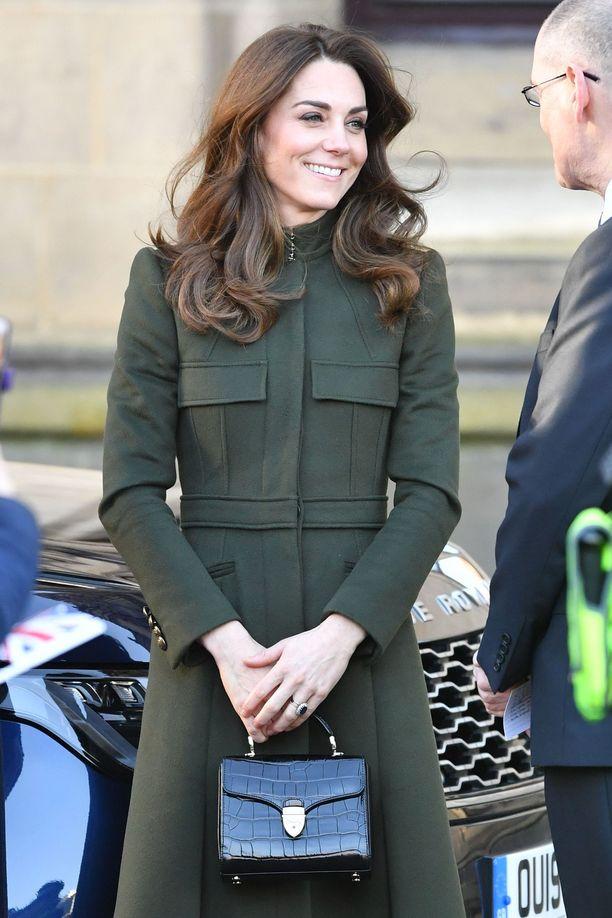 Catherine on viime aikoina suosinut pukeutumisessaan oliivinvihreää.