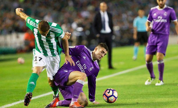 Mateo Kovacic pärjää kaksinkamppailuissa.