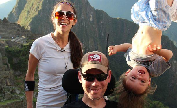 Michel Varisco ja Steve Gleason matkustivat Rivers-poikansa kanssa Machu Picchuun vuonna 2013.
