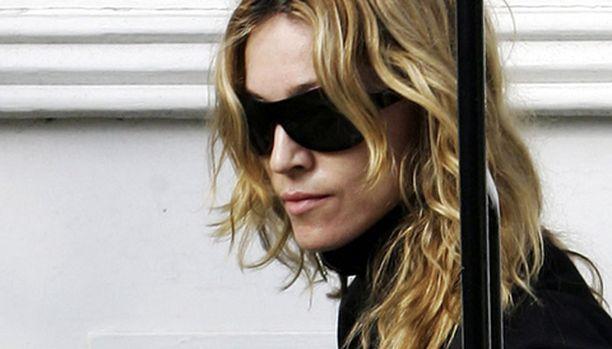 Madonnan on erittäin pettynyt adoptiosotkuun, johon pop-tähden mukaan media on syypää.