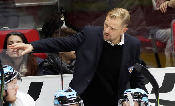 Petri Matikainen harmitteli Sebastian Revon lähtöä.