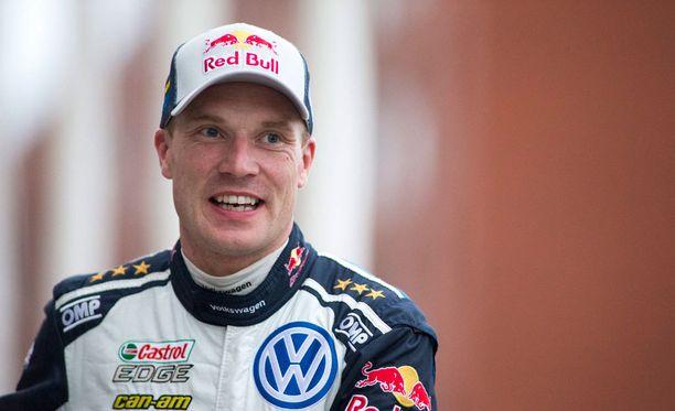 Jari-Matti Latvala oli Kris Meekeä vikkelämpi seitsemännellä erikoiskokeella.