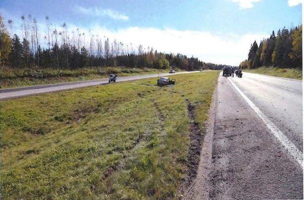 Poliisin mukaan mies ehti kuljettaa autoa noin 18 kilometriä ennen törmäystä.
