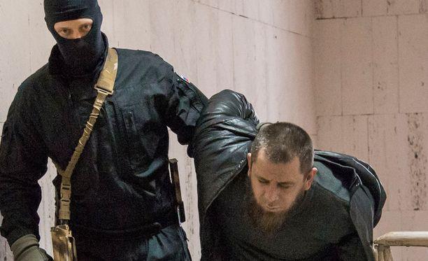 Oikealla oleva mies on yksi Boris Nemtsovin murhasta epäillyistä.