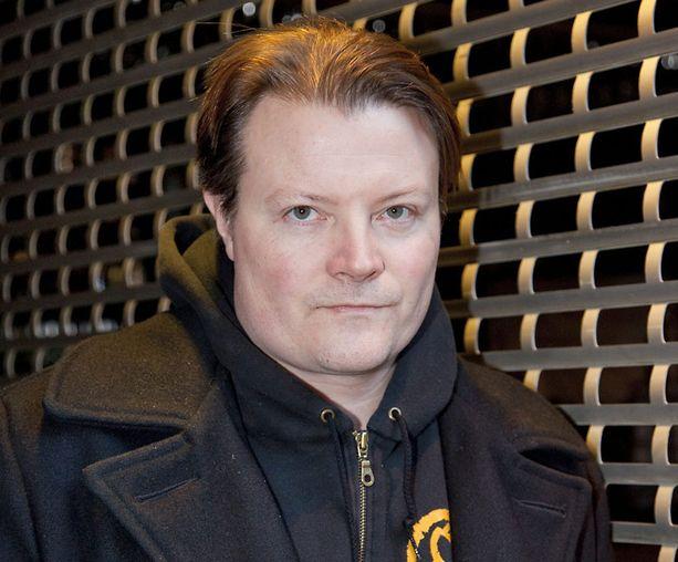 Kari Hietalahti on kiinnitetty kaappausdraaman pääosaan.