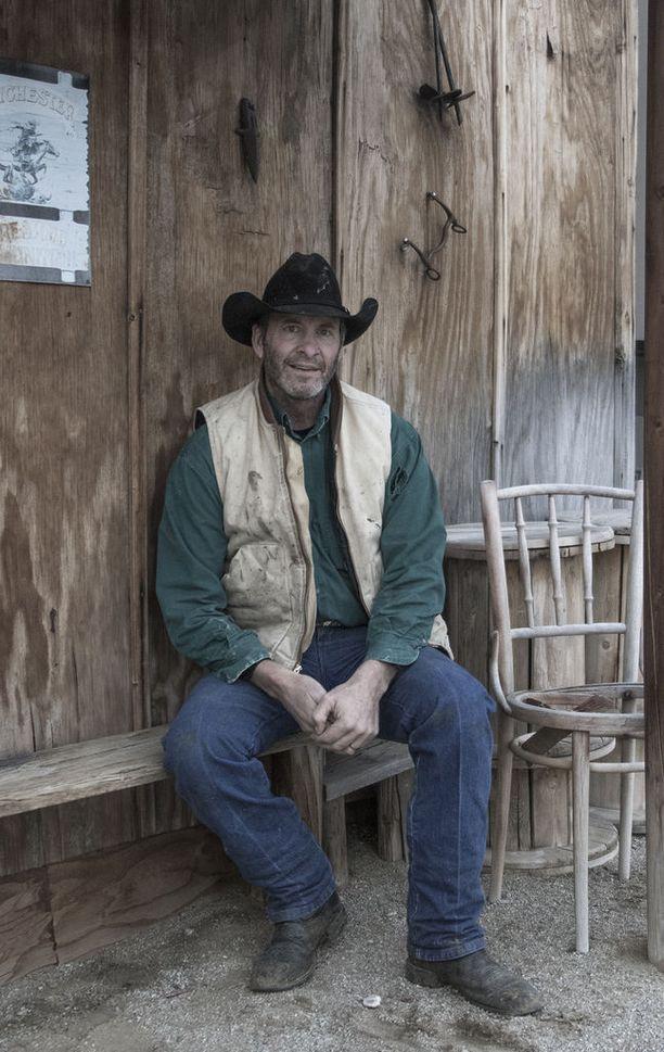Clint Malarchuk yritti itsemurhaa kotitilallaan ampumalla itseään päähän.