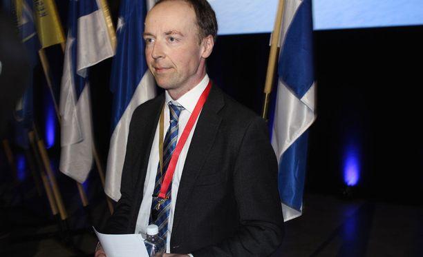 Perussuomalaisten uusi puheenjohtaja Jussi Halla-aho on tuomittu päiväsakkoihin uskonrauhan rikkomisesta ja kiihottamisesta kansanryhmää vastaan.