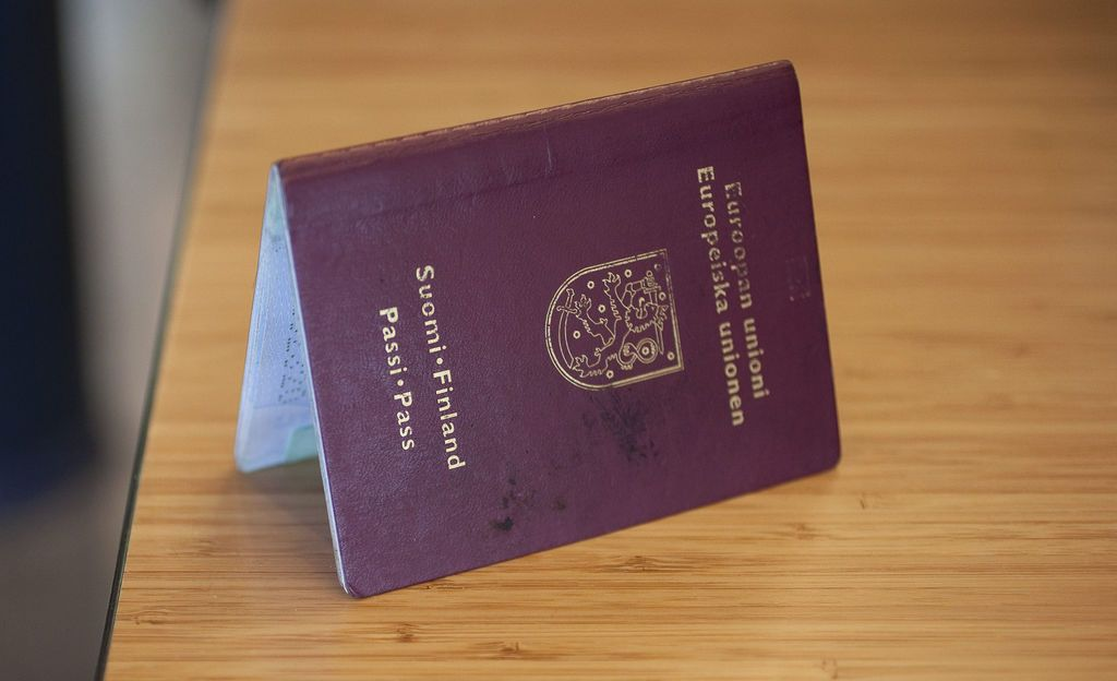 """Lappeenrantalainen Anne meni päiväristeilylle Viipuriin, mutta ei päässyt maihin - syynä virheellinen passi: """"Ai sullakin on tällainen"""", hänelle sanottiin"""