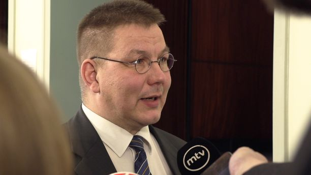 Nurmolainen Juha Mäenpää (ps) on ensimmäisen kauden kansanedustaja.