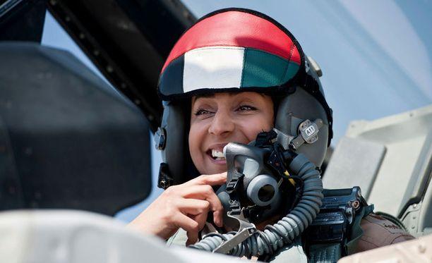 Mariam al-Mansouri on Arabiemiirikuntien ensimmäinen naispuolinen hävittäjälentäjä.