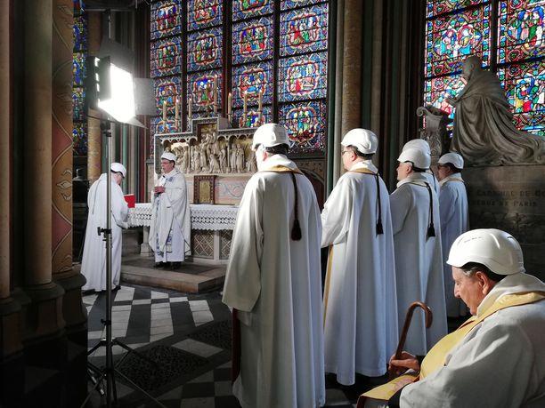 Puolet osallistujista oli pappeja.
