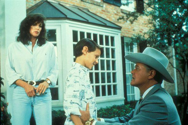 Omri Katz näytteli öljyperheen perijää John Ross Ewing III -hahmoa.