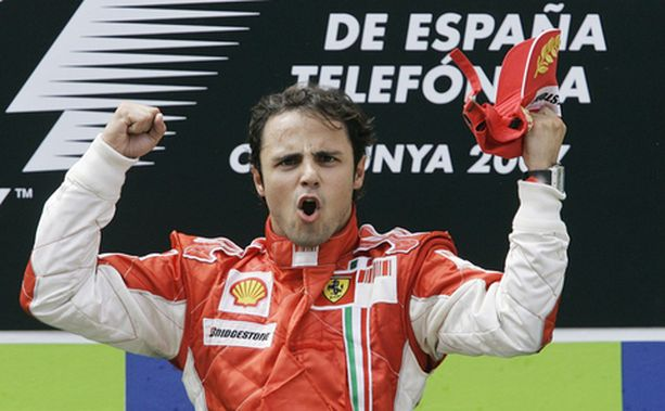 Felipe Massa oli McLaren-kaksikkoa taitavampi ja pääsi tuulettamaan ykkössijaa.