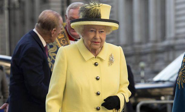 Sallikohan kuningatar Elisabeth itselleen palan lempikakkuaan kansainyhteisön päivän julkisten esiintymisten päätteeksi?