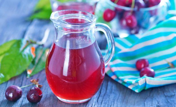 Silloin tällöin juotu alkoholijuoma on tuskin haitaksi, mutta säännöllisesti yksikin annos päivässä kasvattaa rintasyöpäriskiä.