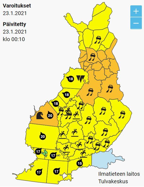 Lauantain varoituskartta huutaa keltaista ja oranssia. Ainoastaan Ahvenanmaa on säästynyt liikennesään varoituksilta.