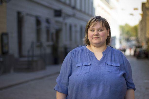 Niina Tikkanen salasi sairautensa pitkään. Nyt hän haluaa puhua masennuksesta avoimesti auttaakseen itseään ja muita samassa tilanteessa olevia.