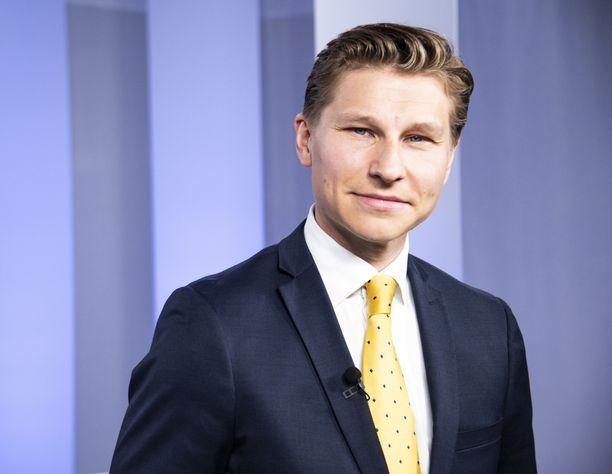 Kansanedustaja Antti Häkkänen (kok) vieraili perjantaina IL-TV:n Kehtaako edes sanoa -ohjelmassa.