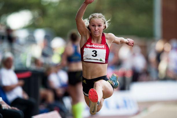 Jessica Kähärä kilpailee kahdessa eri lajissa.