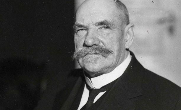 Itsenäistymisen avainhahmon P.E. Svinhufvudin syntymästä on tänään kulunut 150 vuotta. Elämäkerrat kiinnostavat. Ne havainnollistavat kehityskulkuja.