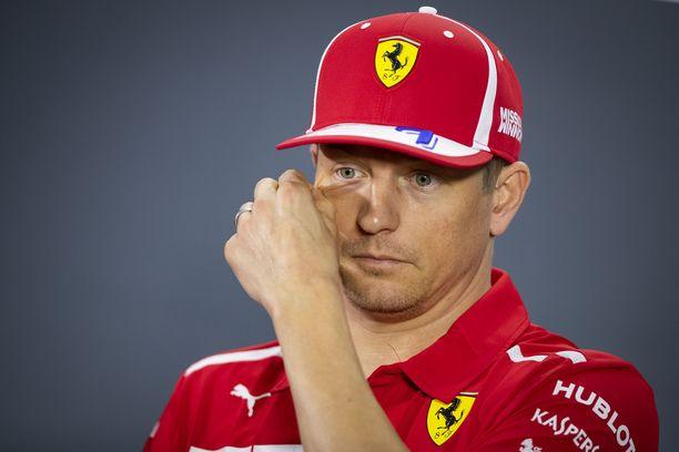 Kimi Räikkönen rakastaa kisaamista, mutta vihaa kaikkea muuta F1-maailmassa.