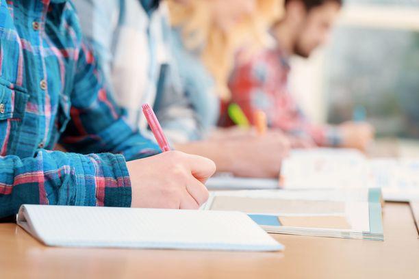 Ruotsalaislukiossa testattiin kasvojentunnistusta opiskelijoiden läsnäolon seurannassa. Kuvituskuva.