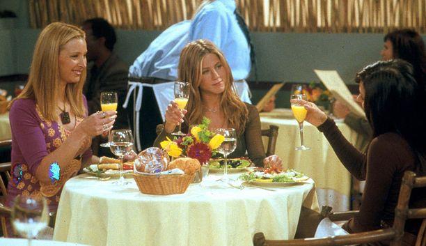 Phoebe roikkuu mukana vuodesta toiseen erilaisista mielenkiinnon kohteista ja taustastaan riippumatta.