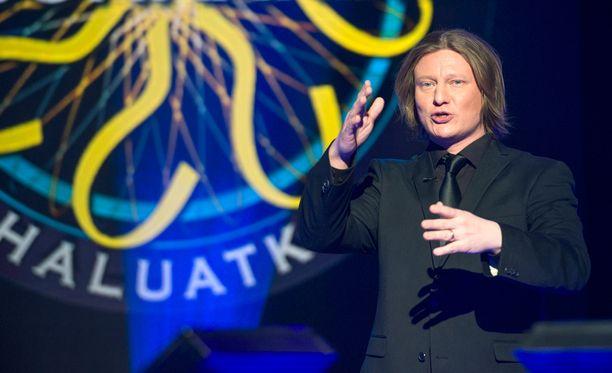 Jaajo Linnonmaan juontaman Haluatko miljonääriksi? -ohjelman kysymykset saavat suomalaiset uteliaiksi.