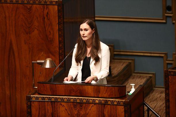 Pääministeri Sanna Marin (sd) antoi keskiviikkona eduskunnalle pääministerin ilmoituksen EU:n elvytyspaketista.