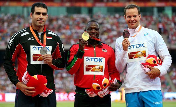 Julius Yegon keihäskulta oli historian ensimmäinen kenialaisurheilijan saavuttama kenttälajin maailmanmestaruus. Tero Pitkämäen pronssi oli ainoa pohjoismaalaisurheilijan mitali.