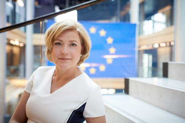 Henna Virkkunen (kok) on toiminut Euroopan parlamentin jäsenenä vuodesta 2014 lähtien.