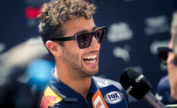Daniel Ricciardoon näyttää olevan kiinnostusta monessa tallissa.