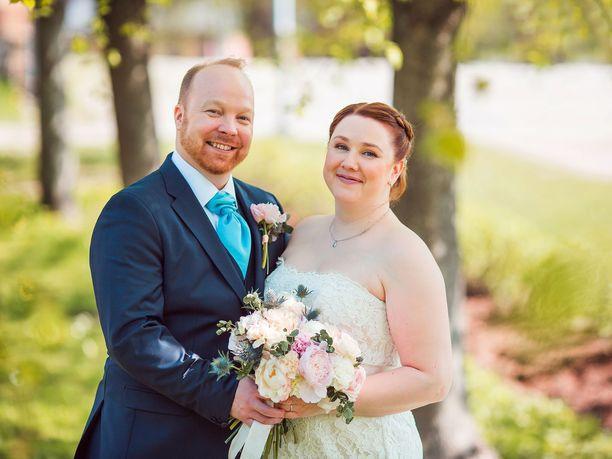 Ville ja Anniina avioituivat Ensitreffit alttarilla -ohjelmassa vuosi sitten.