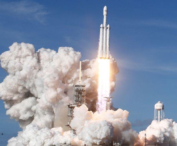 SpaceX:n Falcon Heavy laukaistiin Kennedy Space Centeristä Floridasta viime kuussa.