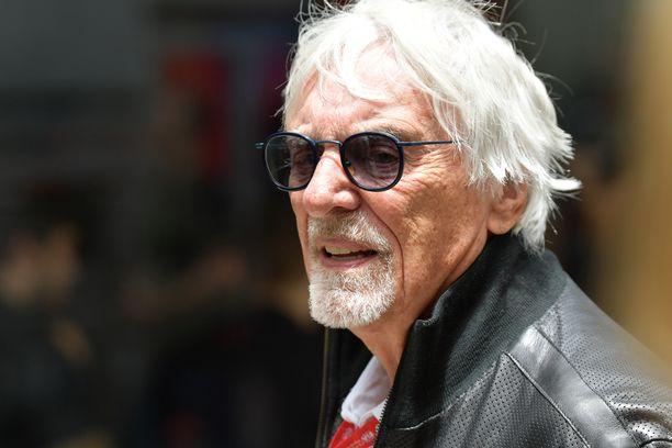 Bernie Ecclestone myi F1-sarjan Liberty Medialle.