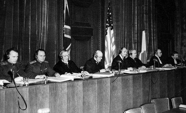 Saksan korkeinta johtoa vastaan käytiin sodan jälkeen oikeutta Nürnbergissa.