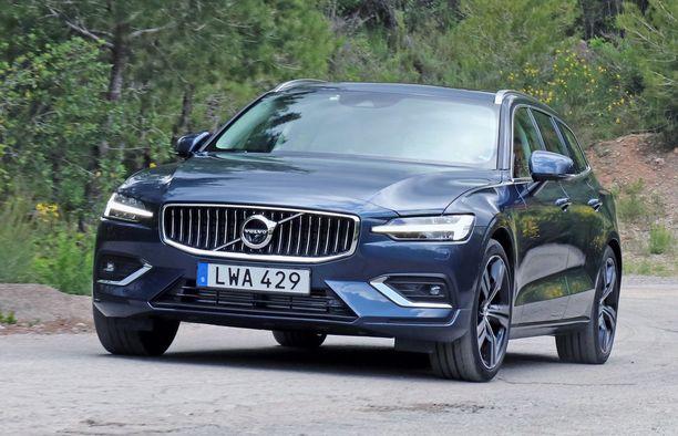 Volvo V60 on isoveljeään V90:ntä hieman kompaktimman kokoinen - hyvännäköinen yhtä kaikki.