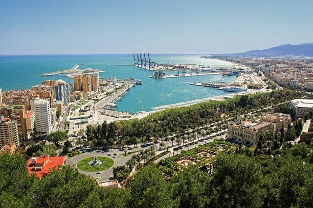 Näkymä Málagan satamaan. Merellisestä tunnelmasta kannattaa nauttia.