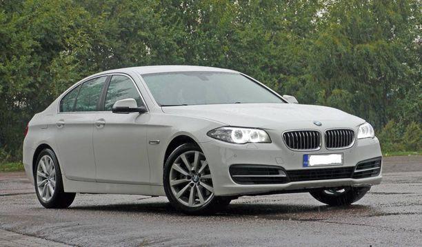 Kuvan auton kaltaisen BMW:n alatukivarsien olisi pitänyt kuluttajariitalautakunnan mukaan pysyä kunnossa pidempään kuin riitatapauksessa.