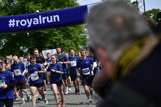 Myös prinssin lapset osallistuivat juoksuun.