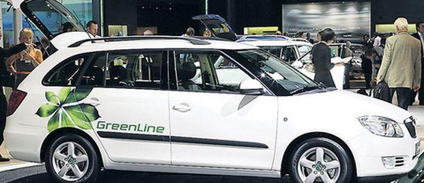 CO2-luku: 109g/km. Vihreällä VW-konsernilla on pitkät perinteet dieseleiden valmistuksessa. Uuden Skoda Fabian farmarin hiukkassuodattimella varustettu 1,4 -litrainen TDI-moottori vihertää ilman apukeinoja.