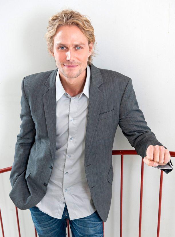 Antero Vartia (vihr) kampanjoi 20 000 eurolla.