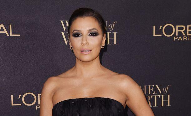 Eva Longoria on 157-senttisestä varrestaan huolimatta vakiokasvo maailman seksikkäimpien naisten listoilla.